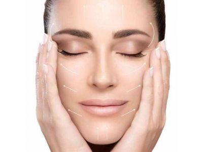 Зволожуюча маска в домашніх умовах для обличчя