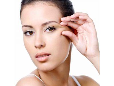 Домашні маски для шкіри навколо очей
