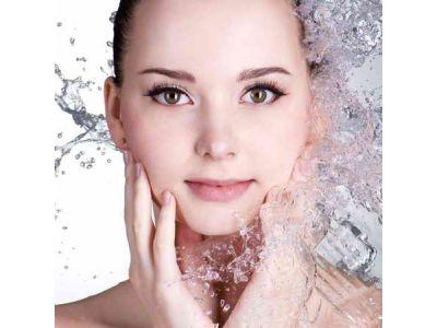 Як зволожити шкіру обличчя