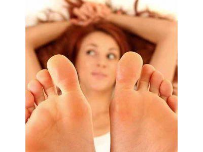 Догляд за ногами та шкірою стоп